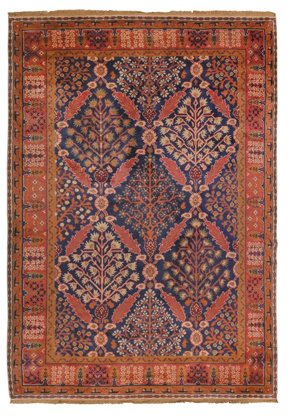 AN european carpet  early 20th century. Overall good condition.