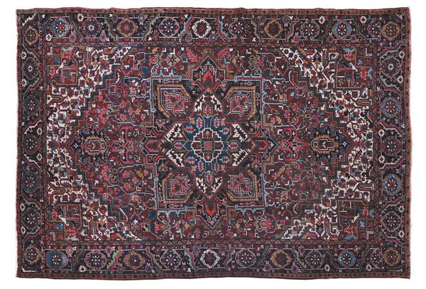A northwest persia carpet, Heritz early 20th century. Good condition