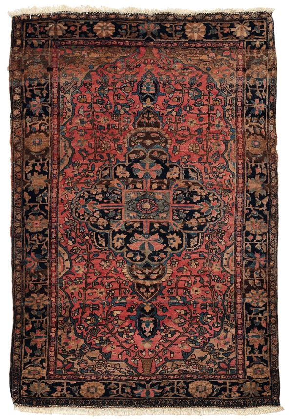 A Saruk carpet persia end 19th early 20th century. Overal very good condition.