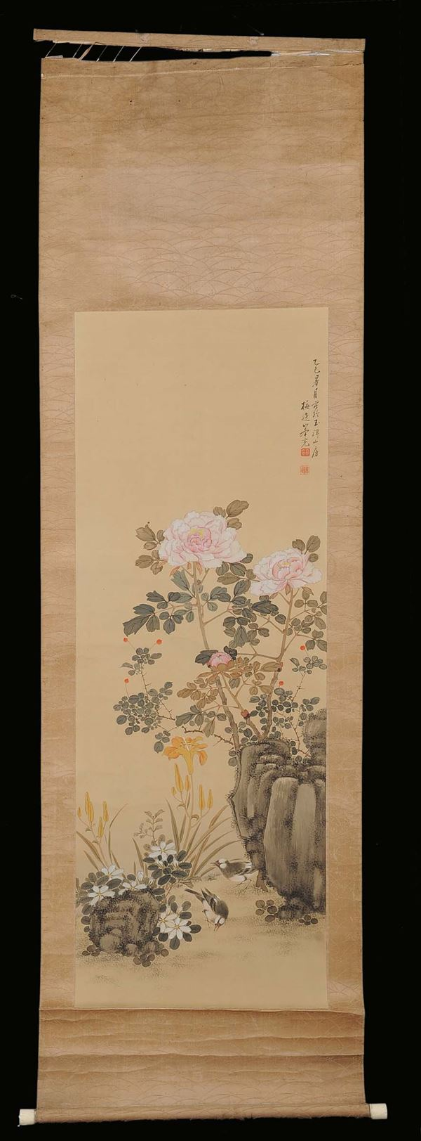 Paper and silk roll representing a landscape with small birds and vegetable and floral motives, China, Qing Dynasty,  fine del 19th century