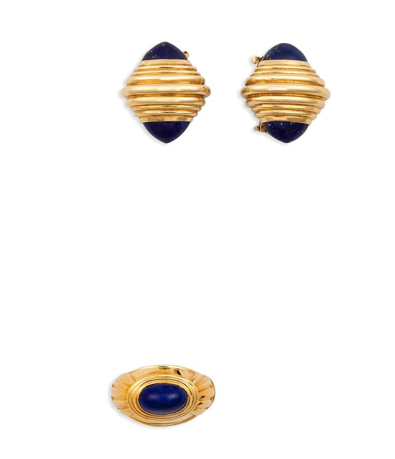 Suite consisting of a pair of gold and lapis lazuli earrings and a ring, Boucheron  - Auction Vintage, Jewels and Bijoux - Cambi Casa d'Aste