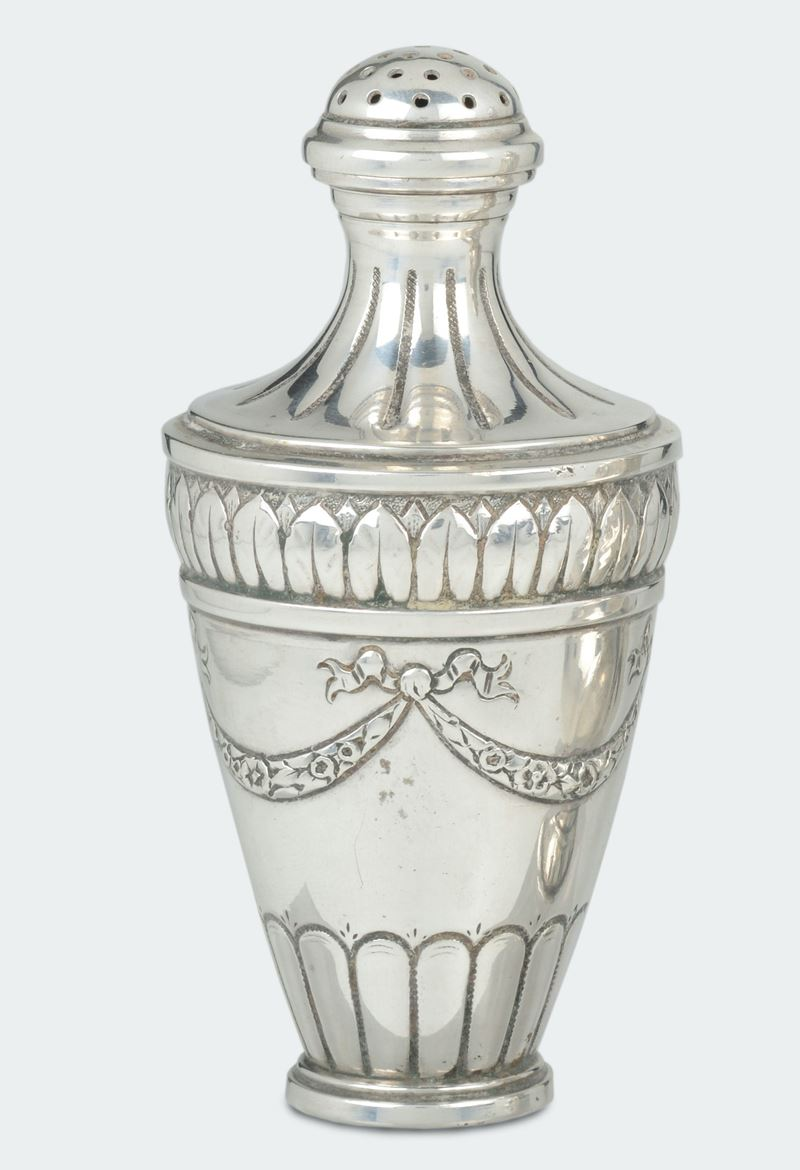 An embossed silver sugar spreader, pattern marks for the town of Werthem, Germany  - Auction Silvers - Cambi Casa d'Aste
