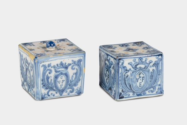 Two white and blue majolica inkwells and blotter, Savona, 18th century