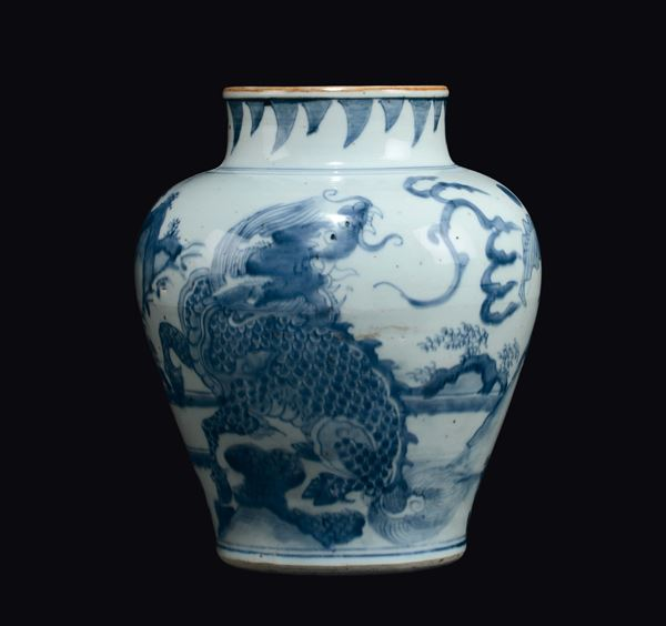 A blue and white vase depicting dragon, China, Ming Dynasty, Chongzheng Period (1628-1643)