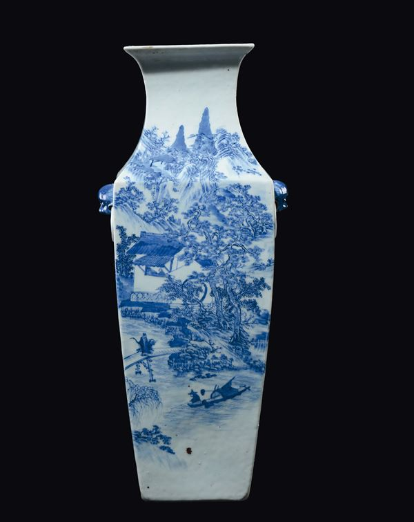 A blue and white squared vase with river landscape and fishermen, China, Qing Dynasty, 19th century