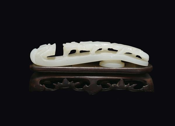 A white jade dragon belthook, China, Qing Dynasty, 19th century