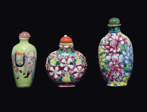 Three polychrome enamelled porcelain snuff bottles, China, Qing Dynasty, 19th century