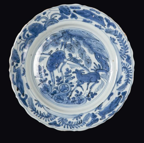 A blue and white dish with fawns, China, Ming Dynasty, Wanli Period (1573-1619)