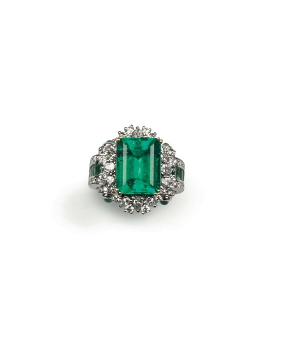 A Colombian emerald and diamond ring. R.A.G report