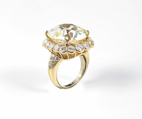 A cushion old - cut diamond weighing 29,28 carats. Van Cleef & Arpels N.Y. 41427. R.A.G report