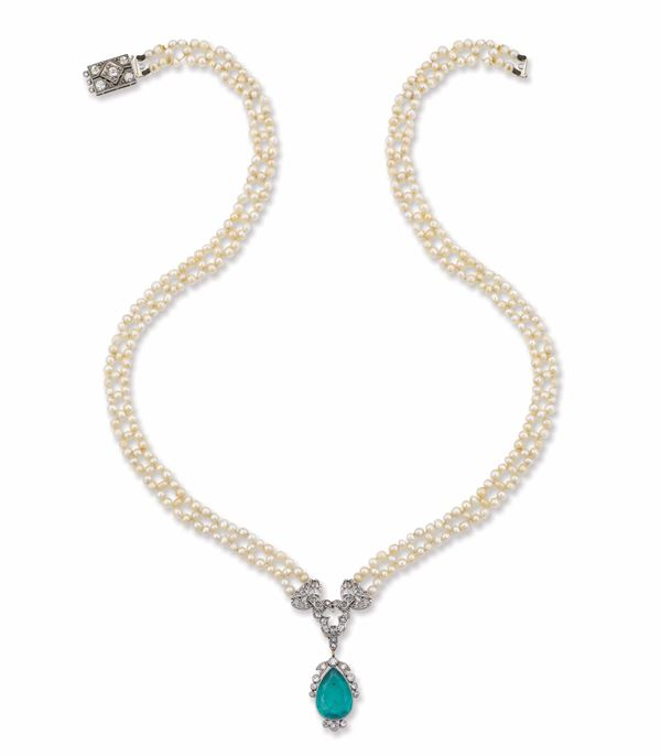 An Art Deco necklace with emerald and pearl
