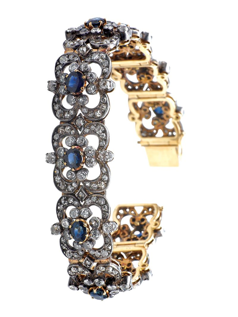 A diamond and sapphire bracelet. Mounted in gold and silver  - Auction Fine Jewels - I - Cambi Casa d'Aste