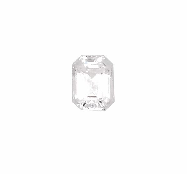 Unmonted emerald-cut diamond weighing 2,01 carats. R.A.G report