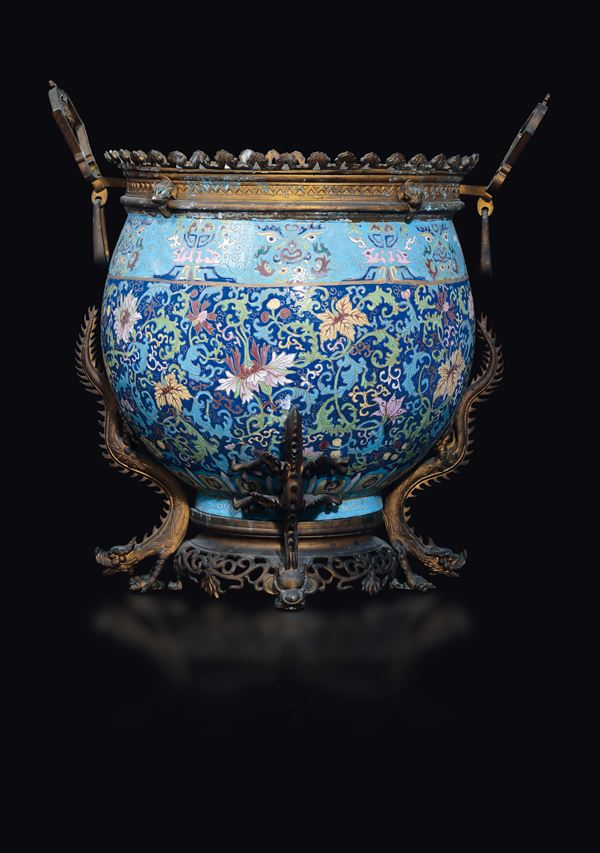 A cloisonné enamel cachepot with bronze dragons details, China, Qing Dynasty, 19th century