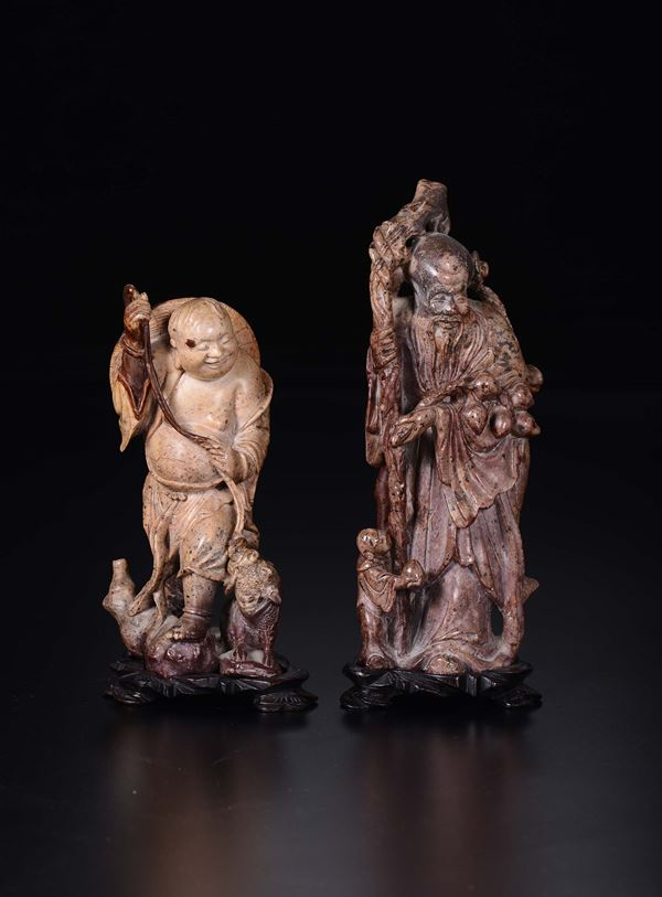 Two carved soapstone figures of wisemen, China, Qing Dynasty, 19th century