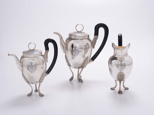 Tea and coffee service in molten, embossed and chiselled silver, Ausburg, 1801 (?), silversmith GNC