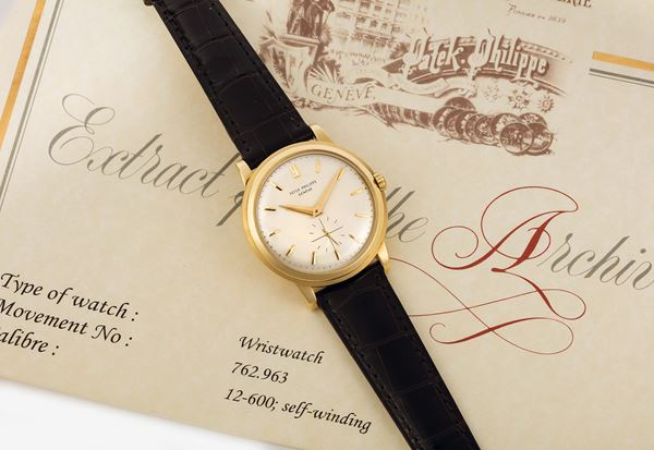 PATEK PHILIPPE, REF. 2552, DISCO VOLANTE, YELLOW GOLD, movement No. 766545, case No. 766545.  Very fine and rare, 18K yellow gold, self-winding, water resistant wristwatch with an original 18K yellow gold buckle. Accompanied by the Extract. Made circa 1956