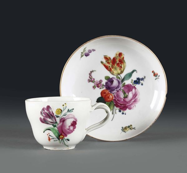 A cup with plate. Wien, 1810 ca.