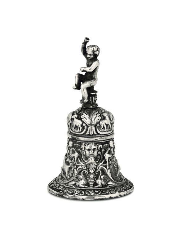 A table bell in embossed and chiselled silver, Italian silversmith of the 20th century. Cameral stamp for the Papal state not relevant.