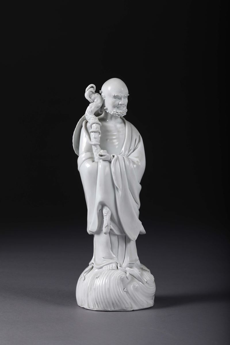 A wiseman in Blanc de Chine porcelain, China, 20th century  - Auction Taste, Furniture and Residences, An Italian Collection - Cambi Casa d'Aste