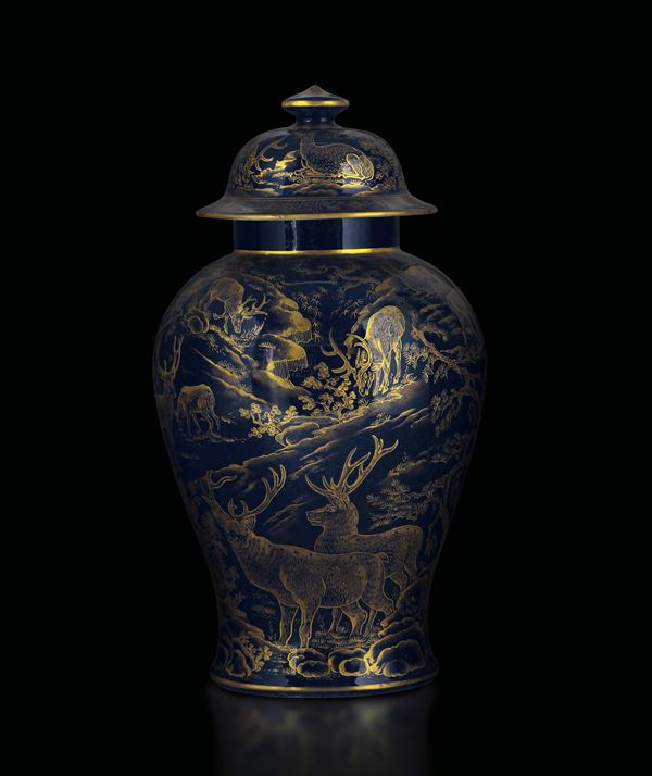 A large porcelain potiche with lid, China, Qing dynasty, 18th century