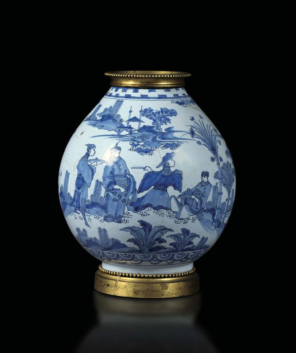 A vase in white and blue porcelain, China 19th century