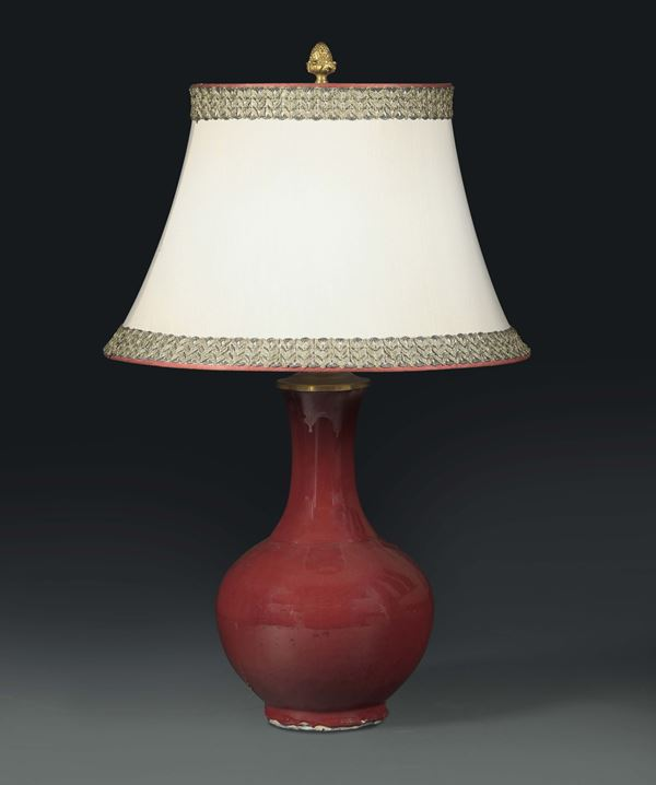 A lamp with oxblood vase, China 19th century