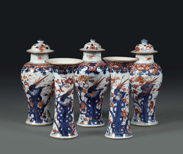 A chimney-top set with Imari decorations made up by three potiches and two trumpet vases, China 18th century