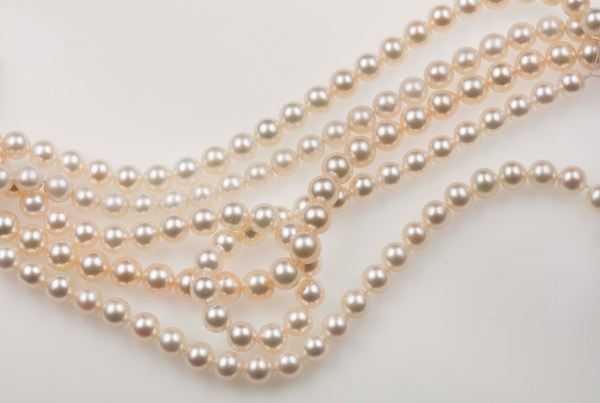 Lot consisting of 5 rows of cultured pearls