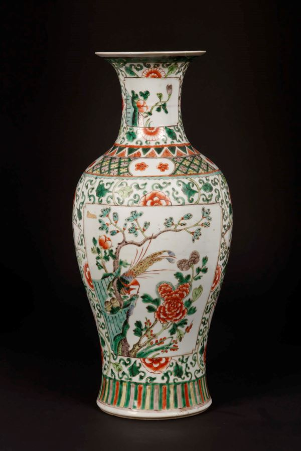 A Famille-Verte porcelain vase with a naturalistic decor, China, Qing Dynasty, 19th century
