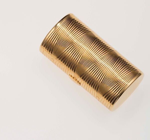 Gold cigarette case. Cartier. Fitted case