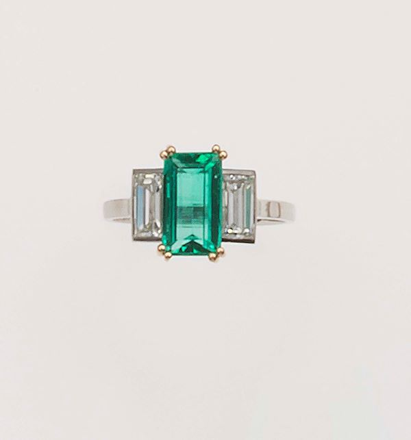 Emerald and diamond ring, monture Cartier Paris. Fitted case