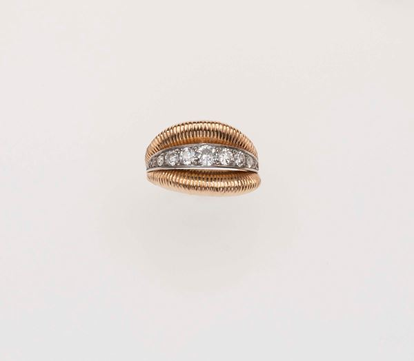 Diamond and gold ring. Van Cleef & Arpels