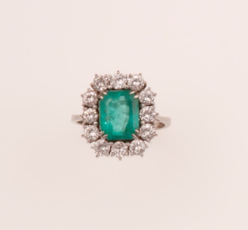 Colombian emerald and diamond cluster ring  - Auction Fine Jewels - Cambi Casa d'Aste