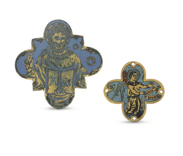 Two small lobate plaquettes in bronze and enamels. Gothic art from the 15th - 16th century
