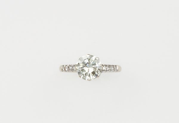 Brilliant-cut diamond weighing 1.70 carats approx.