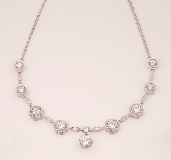 Brilliant-cut and old-cut diamond necklace