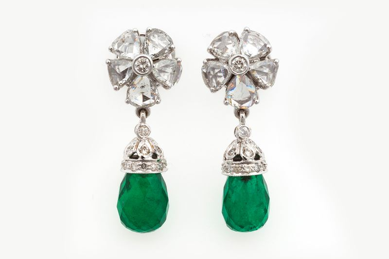 Pair of emerald and diamond earrings  - Auction Fine Jewels - Cambi Casa d'Aste