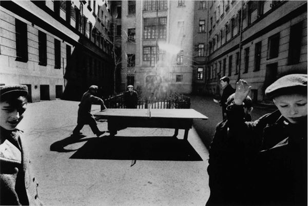 William Klein (1928) Ping-Pong, Mosca 1960