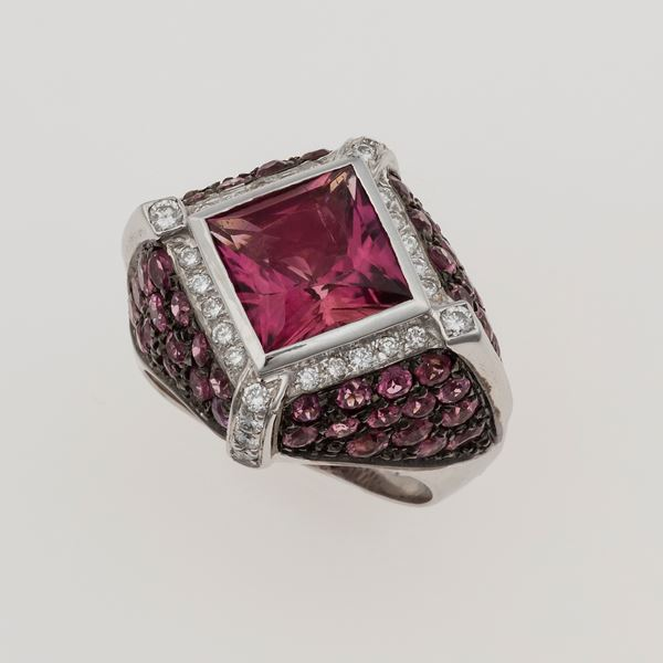 Tourmaline and dimoand ring