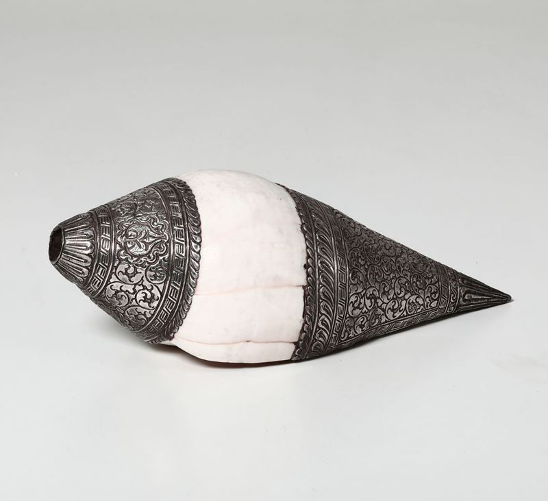 A shell with silver details, India (?), 1900s  - Auction Silvers - Timed Auction - Cambi Casa d'Aste