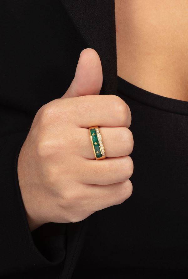 Enamel and diamond ring. Signed Fabergé