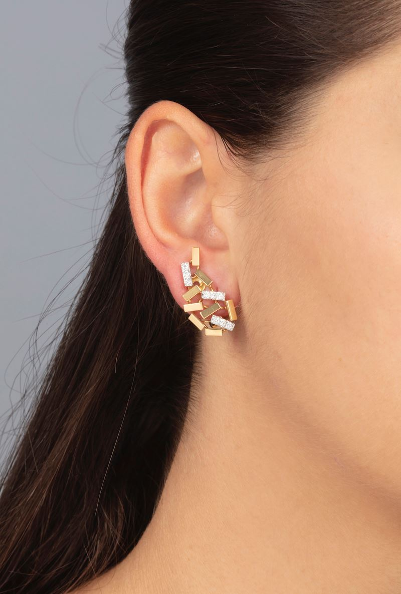 Pair of diamond and gold earrings. Signed Repossi  - Auction Jewels - Cambi Casa d'Aste