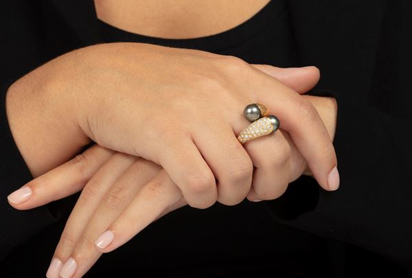 Cultured grey pearl and diamond ring