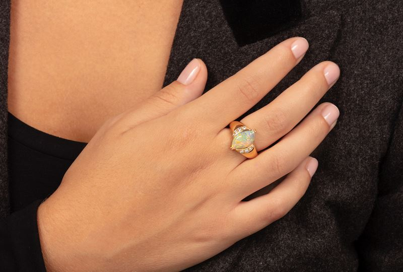Opal and diamond ring  - Auction Jewels - Cambi Casa d'Aste