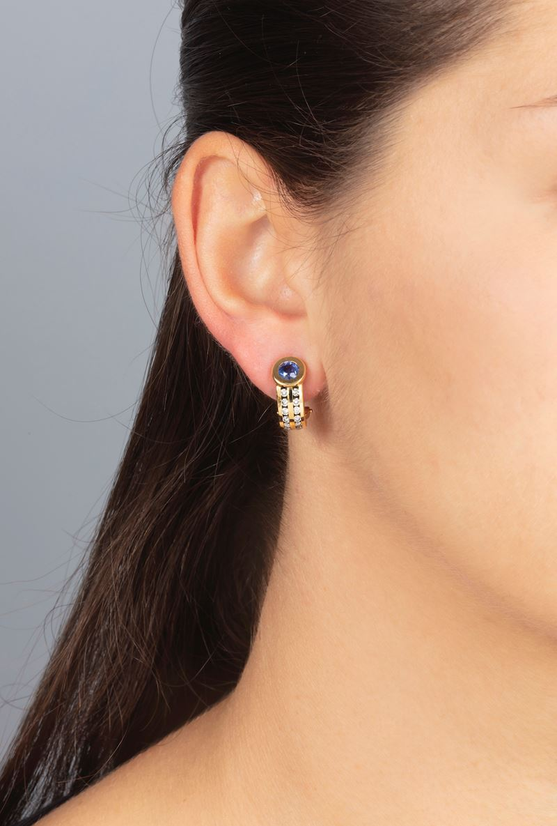 Pair of sapphire and diamond earrings  - Auction Jewels - Cambi Casa d'Aste
