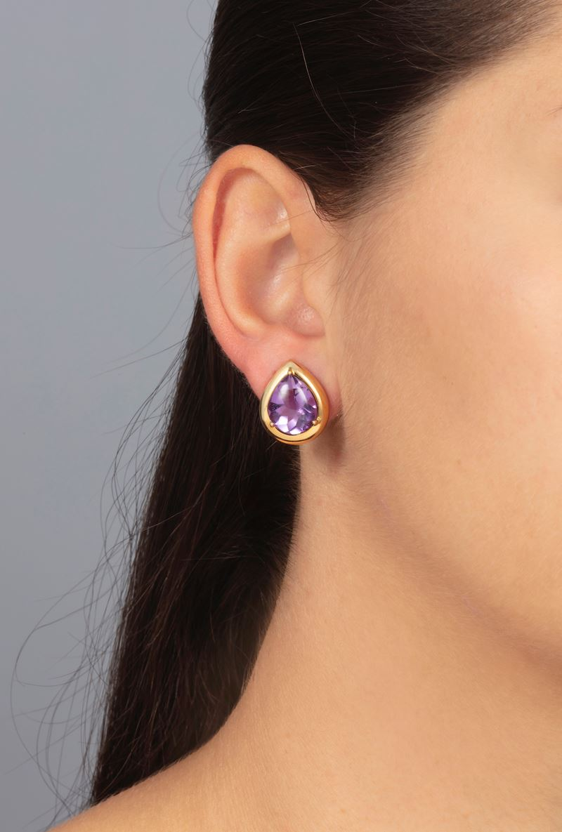 Pair of amethyst and gold earrings. Signed Grumser  - Auction Jewels - Cambi Casa d'Aste