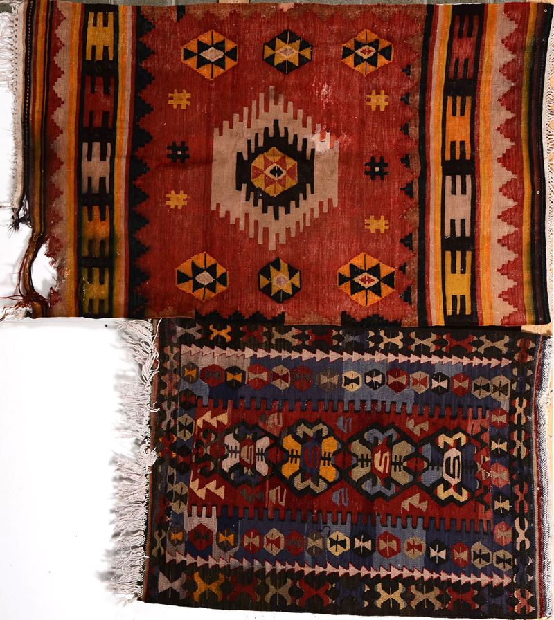 Lotto di due kilim XX secolo  - Auction Furnitures, Paintings and Works of Art - Cambi Casa d'Aste
