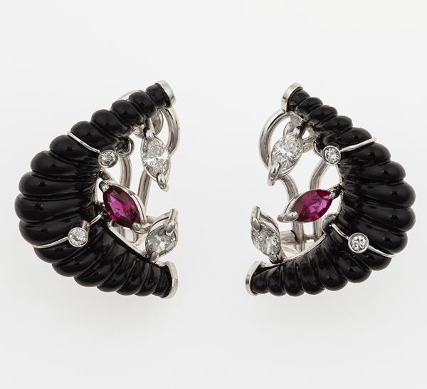 Pair of onix, diamond, ruby and gold earrings. Signed Enrico Cirio