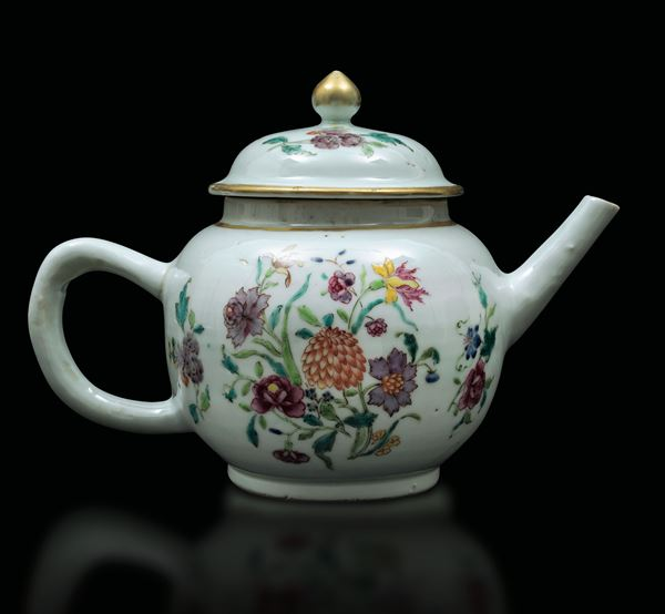 A Pink Family teapot, China, Qing Dynasty